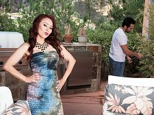 Red-hot Mother I'D LIKE TO FUCK Claudia gets ass-fucked by the gardener