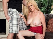 Young 10-Pounder and a creampie